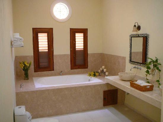 Hotel Merida Santiago - bathroom suite nr 2