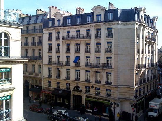 Vue de la chambre picture of hotel mansart esprit de for La chambre france