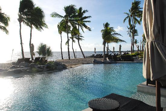 Sheraton Fiji Resort: pool view