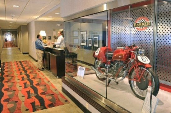 Hampton Inn Birmingham / Leeds, AL: Hotel Lobby with Motorcycle discplay