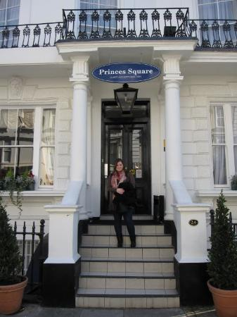 Princes Square Hotel: This is our hotel at Prince´s Square in London.