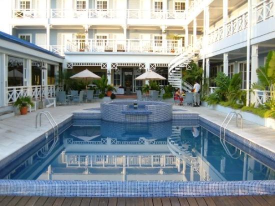 Hotel Casona Del Lago In Flores