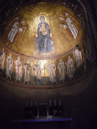 Trieste, Italy: Affreschi nella chiesa