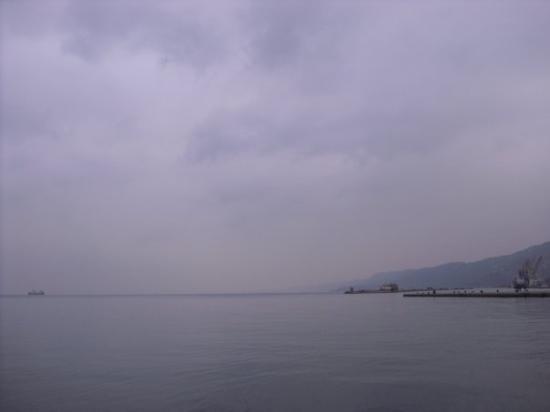 Trieste, Italy: Il mare d'inverno