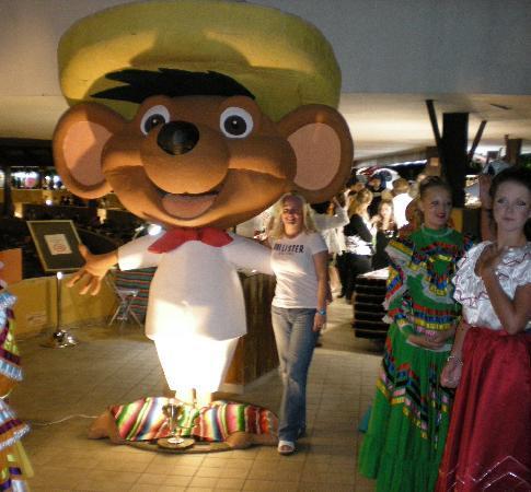 Grand Sirenis Riviera Maya Resort & Spa: Mexican Theme night at the theater