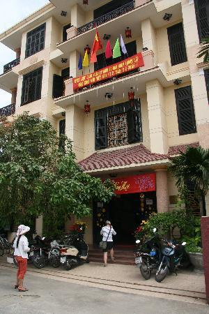 Hai Au Boutique hotel and spa: Front Entrance
