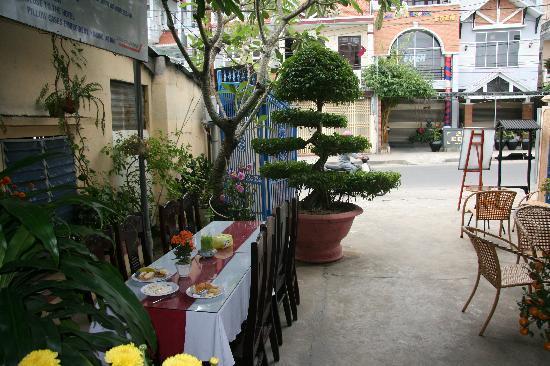 Hai Au Boutique hotel and spa: Eating Area