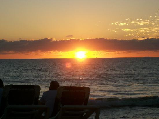 Villa Del Palmar Flamingos Beach Resort & Spa Riviera Nayarit: Sunset on the beach