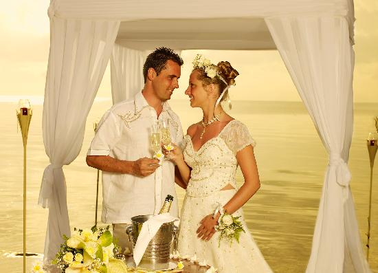 Sarova Whitesands Beach Resort & Spa: Private Beach Wedding