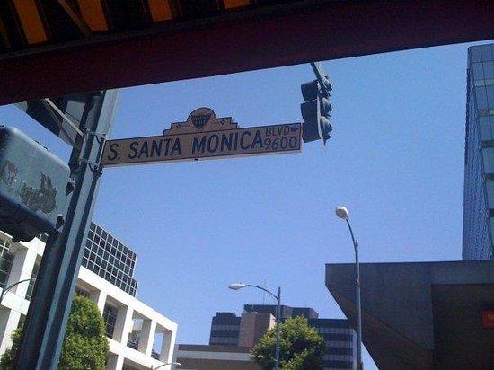 Eat well santa monica blvd for Cox paint santa monica