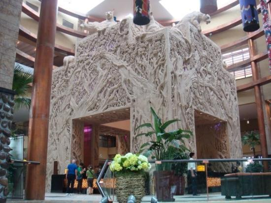 Chimelong Hotel: chime long hotel lobby