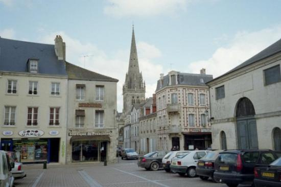 ‪‪Carentan‬, فرنسا: The Battle of Carentan was an engagement in World War II between airborne forces of the United S‬