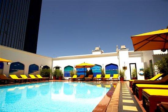Sarova Stanley: Heated swimming pool