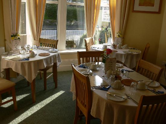 Lansdowne Guest House : Guests Dining room