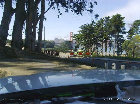 ฟรานซิสโกเบย์อินน์: The view from my truck office at my project site in San Francisco