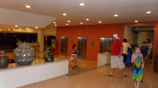 Crown Paradise Club Cancun: VIP tower lobby, elevators were pretty fast