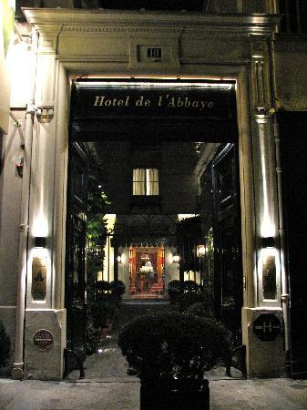 Hotel de l'Abbaye Saint-Germain: Entrance