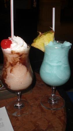 Grand Cayman Marriott Beach Resort: Drinks from the Bar