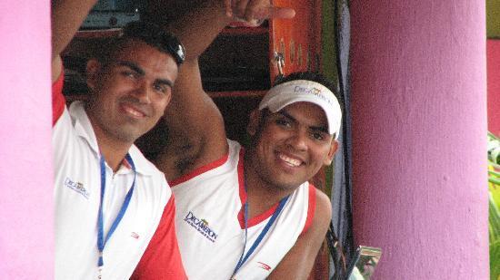 Hotel Decameron Los Cocos: Soem of the activity staff