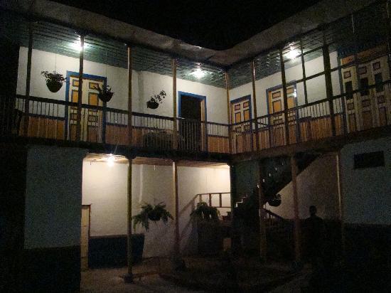Ciudad de Segorbe Hostel Salento: Vista  nocturna del Hostal