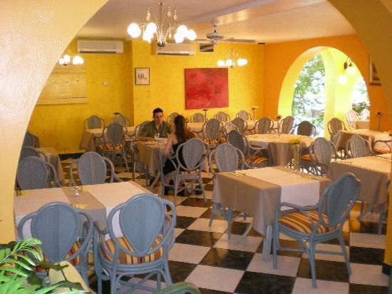 Tropical Hotel: salle de dejeuner