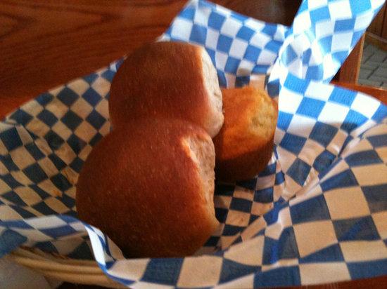 Dixie Cafe: fresh rolls and cornbread