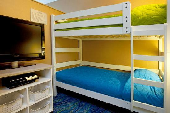 Holiday Inn Express - Jacksonville Beach: KidSuite