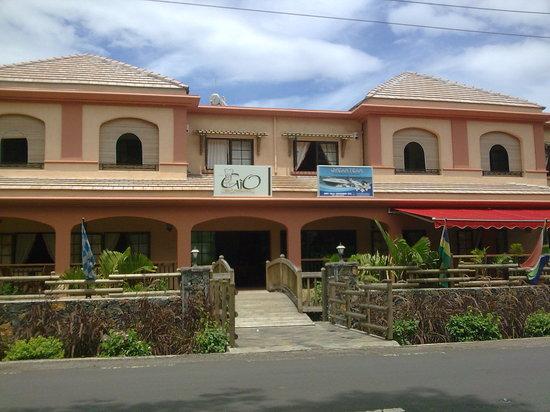 Chez Gio: Le restaurant en façade