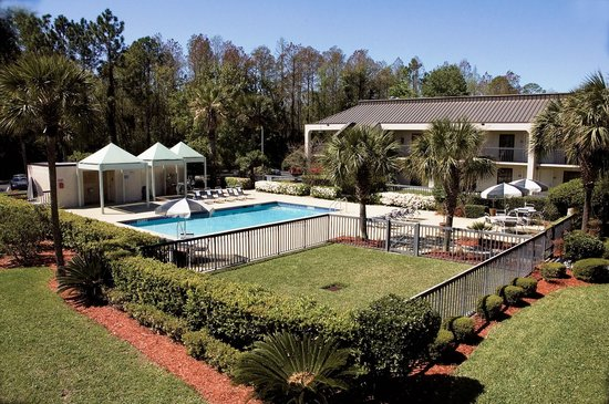 Days Inn Jacksonville Airport: Exterior and Grounds