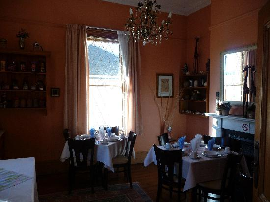 Bellevue Manor Guest House: salle du petit dejeuner