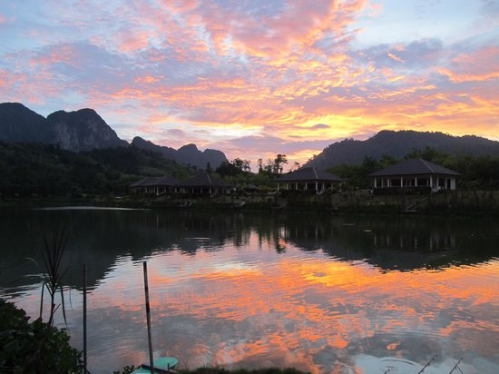 Khao Thong, Thailand: Beautiful end to a beautiful day