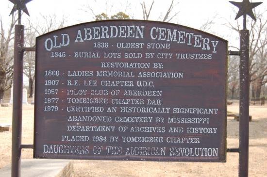 Aberdeen, MS: Was Geocaching. Lots of history here.