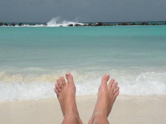 Oranjestad, Aruba : sandy toes