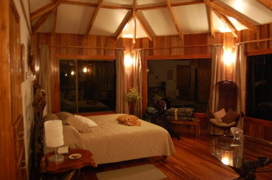 Hidden Canopy Treehouses Boutique Hotel: Rising Sun Room