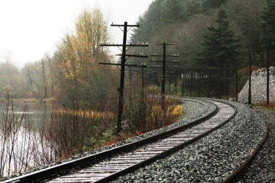 Corbett, ออริกอน: Railroad by the Columbia River