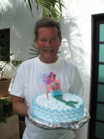 Incredible Where Else In Mexico Can The Owner Get A Barbie Birthday Cake Funny Birthday Cards Online Elaedamsfinfo