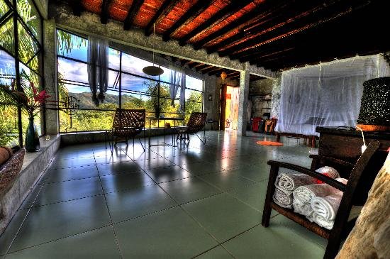 "Yelapa, Meksiko: The ""Studio's"" spacious room with a breath taking view."