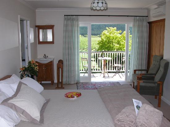 Esk Valley Lodge: Bedroom of Sauvignon suite