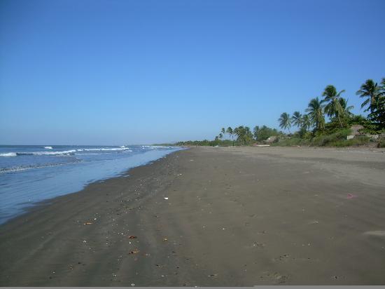 Rancho Esperanza: The beach just steps away