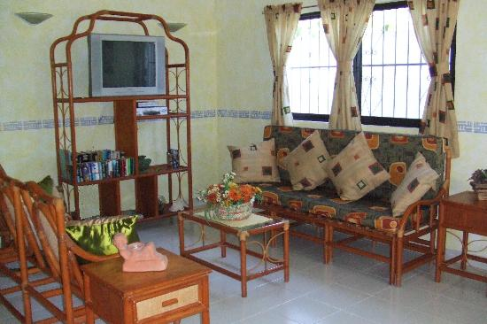 IslaMar Vacation Villas: IslaMar Villa Roomy Living Areas!