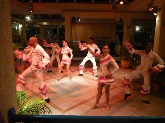 Silver Beach Hotel: Don't miss the Latino night (one for the boys and girls)