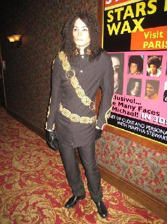 Louis Tussaud's Waxworks: Michael Jackson - Louis Tussauds Wax Museum Niagara Falls