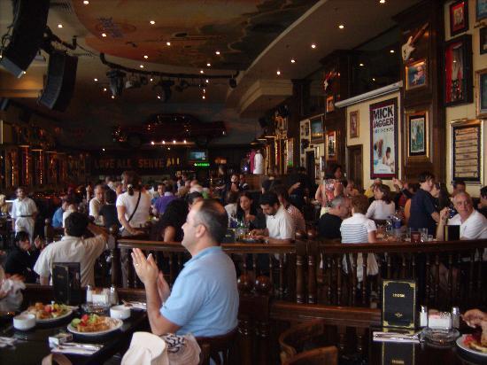 Grand Nile Tower: Inside Hard Rock cafe