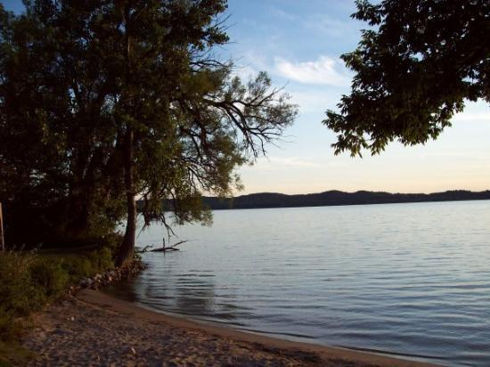 เบลแลร์, มิชิแกน: Nancy and I loved walking to Lake Bellaire on Sundays and having a picnic lunch. Nice memories h