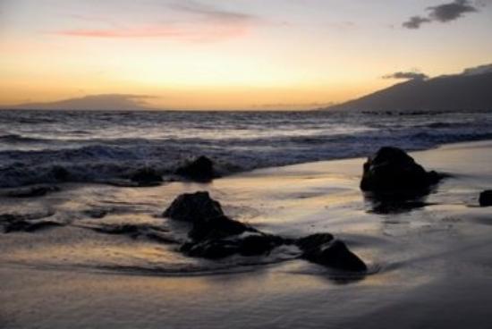 Wailea, HI: Beach walk is free