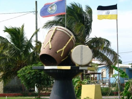 Dangriga, Belize: Drums of our Fathers monument