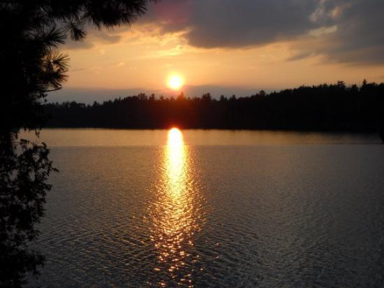 Ely, MN: i love this pic! sunsets rock!