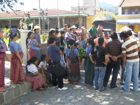 Santiago Atitlan, Guatemala: Sunday morning on the square in Santiago before church