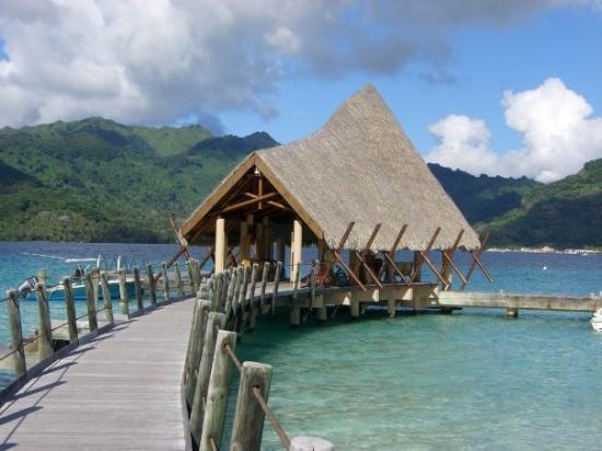 Tahaa, Polinesia Francesa: Le Taha'a's arrival pontoon