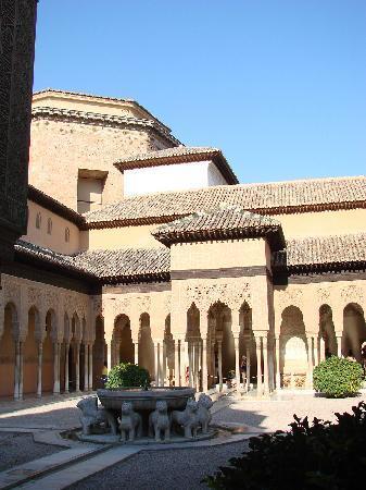 Alhambra: ライオンの中庭